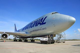 Boeing 747-428(BCF) de National