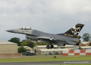 Fairford solo display F-16